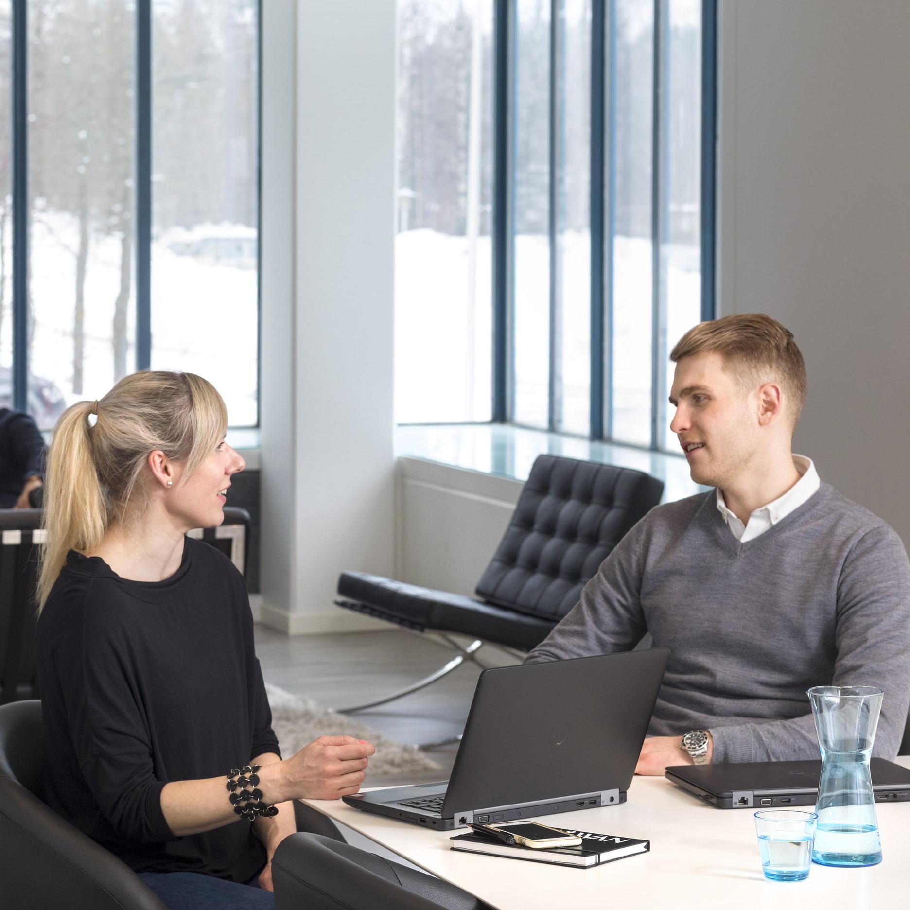 Viria fortsätter sitt aktiebaserade belöningsprogram för personalen